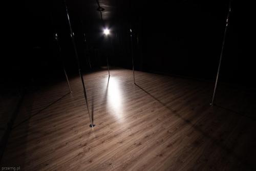 Pole & Roll Stalowa Wola - Pole Dance Studio 529