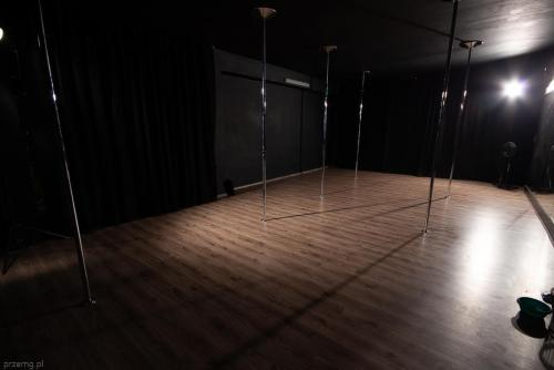 Pole & Roll Stalowa Wola - Pole Dance Studio 530