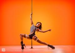Stanie z wykorzystaniem rurki - Pole Dance