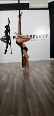 HandStand - Pole Dance